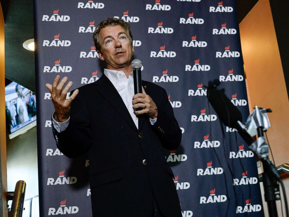 PHOTO: Sen. Rand Paul, GOP presidential candidate addresses his supporters during a campaign event, June 29, 2015, at Choppers Sports Bar & Grill in Denver.