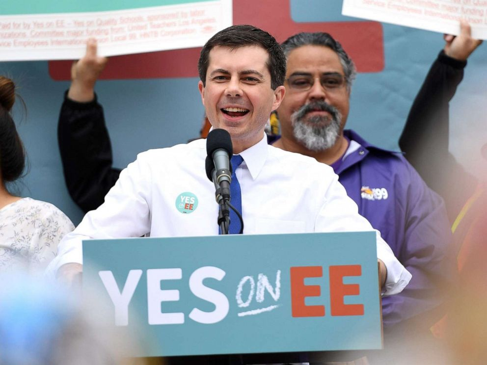 PHOTO: Mayor of South Bend, Indiana, and Democratic presidential hopeful Pete Buttigieg speaks at a community event in Los Angeles, May 9, 2019.