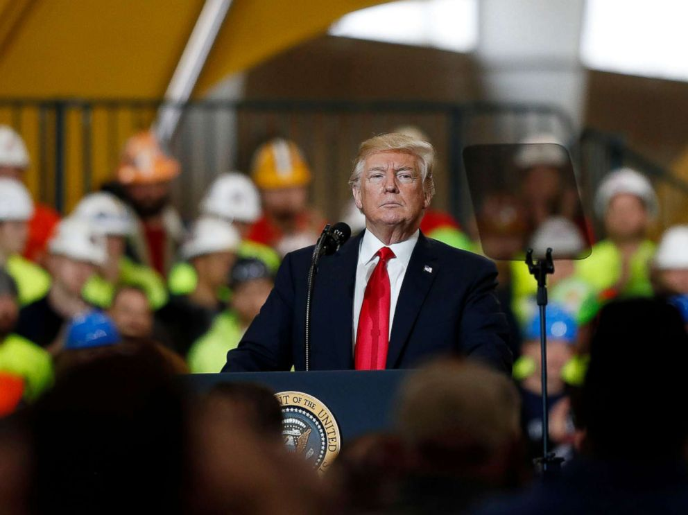 PHOTO: President Donald Trump speaks about his infrastructure plan during a visit to Local 18 Richfield Training Facility in Richfield, Ohio, on March 29, 2018.