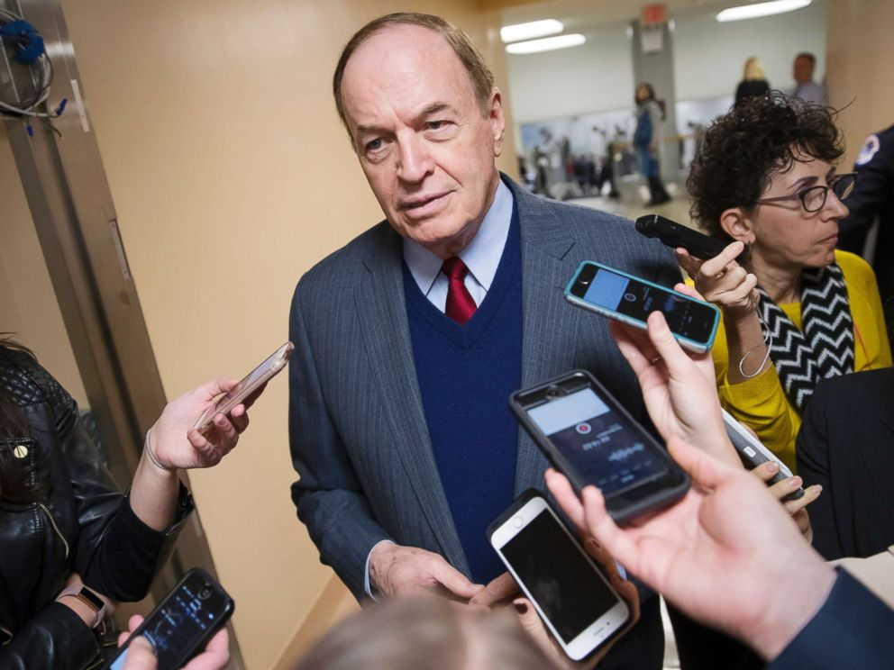 PHOTO: Reporters seek a comment from Sen. Richard Shelby, a critic of Alabama Republican Roy Moore who is running for the Senate in a special election, on Capitol Hill, Dec. 12, 2017.