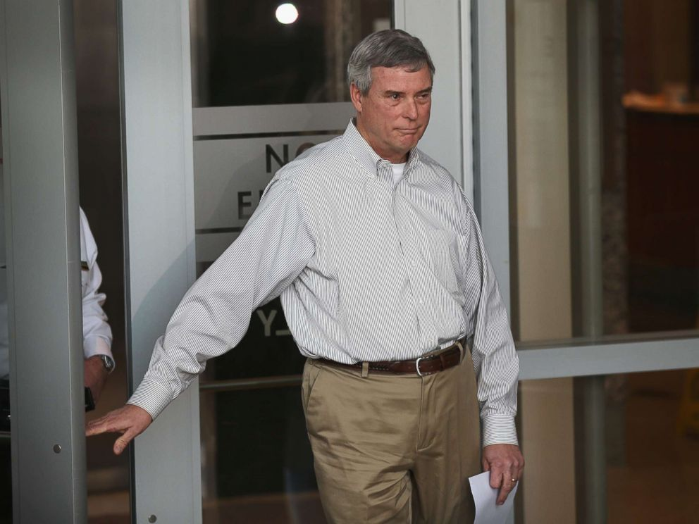PHOTO: Robert Bob McCulloch, the Prosecuting Attorney for St. Louis County, arrives to a press conference on March 15, 2015, in Clayton, Mo.
