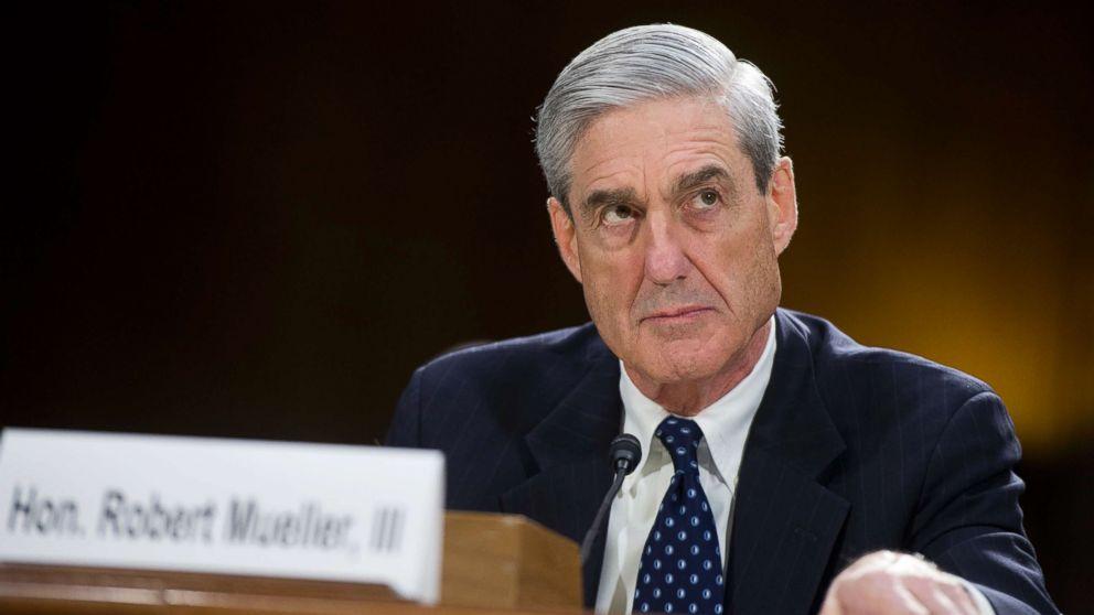 FBI Director Robert Mueller testifies before a Senate Judiciary Committee hearing in Washington, D.C., June 19, 2013.