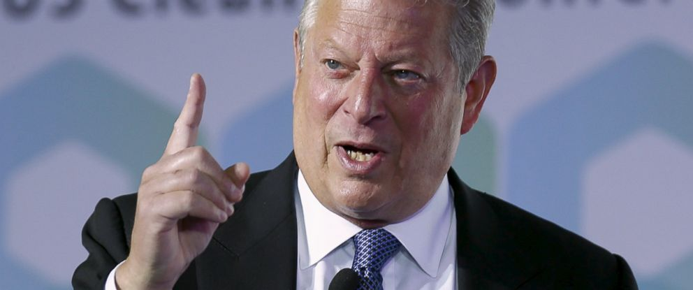 PHOTO: Nobel Peace Prize laureate and former U.S. Vice President Al Gore gestures as he gives a speech at the 2015 China US Clean Air conference in Beijing, China, July 24, 2015.