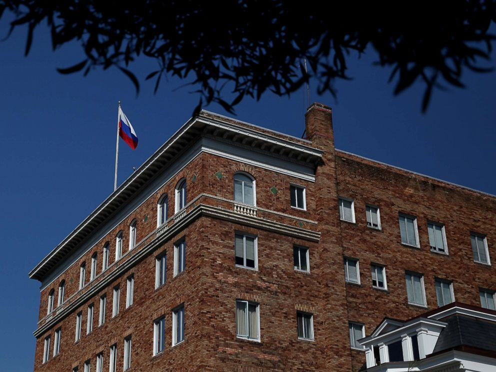 PHOTO: A Russian flag flies above the countrys consulate in San Francisco on Aug. 31, 2017.