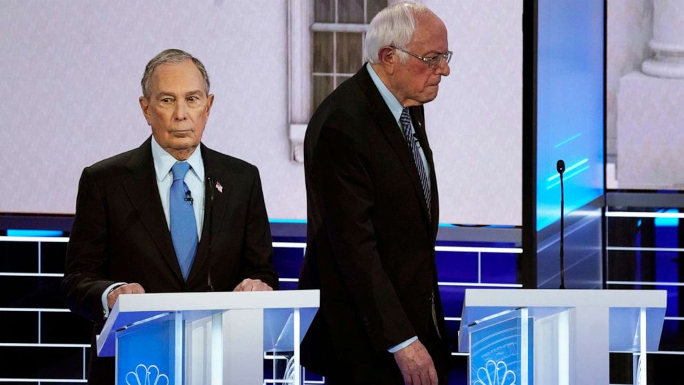 Το Bloomberg, Σάντερς σωρός-ons αποκαλύψει Δημοκράτες