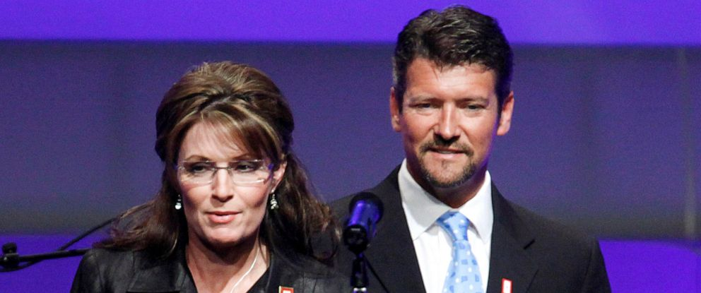PHOTO: In this June 8, 2009, file photo, Republican Alaska Gov. Sarah Palin and her husband Todd Palin arrive at a Republican congressional fundraiser in Washington.