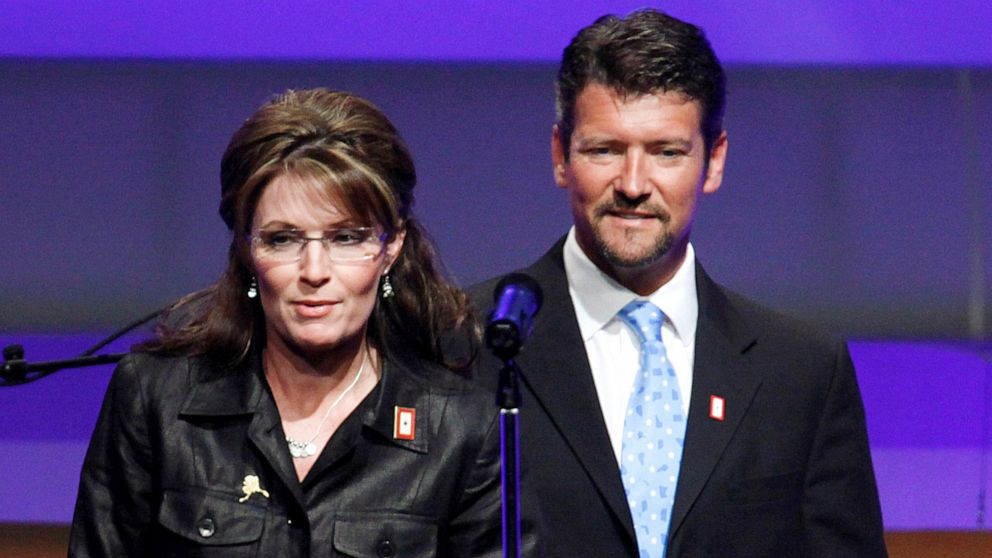 Sarah Palin's husband files for divorce from former vice presidential candidate