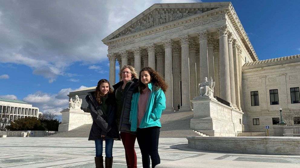 Supreme Court boosts spiritual colleges searching for public help thumbnail