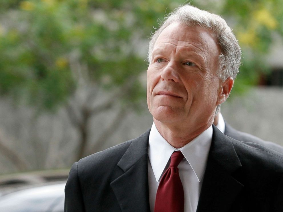 PHOTO: Lewis Scooter Libby arrives for a hearing at the Federal Court House, June 14, 2007 in Washington, D.C.