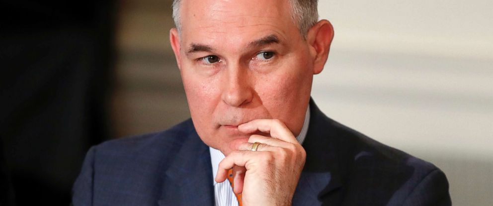 PHOTO: Environmental Protection Agency Administrator Scott Pruitt attends a meeting with state and local officials in the State Dining Room of the White House in Washington, D.C., Feb. 12, 2018.