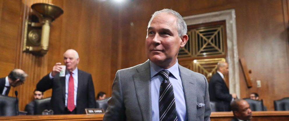 PHOTO: Environmental Protection Agency Administrator Scott Pruitt arrives to testify before the Senate Environment Committee on Capitol Hill in Washington, Jan. 30, 2018.