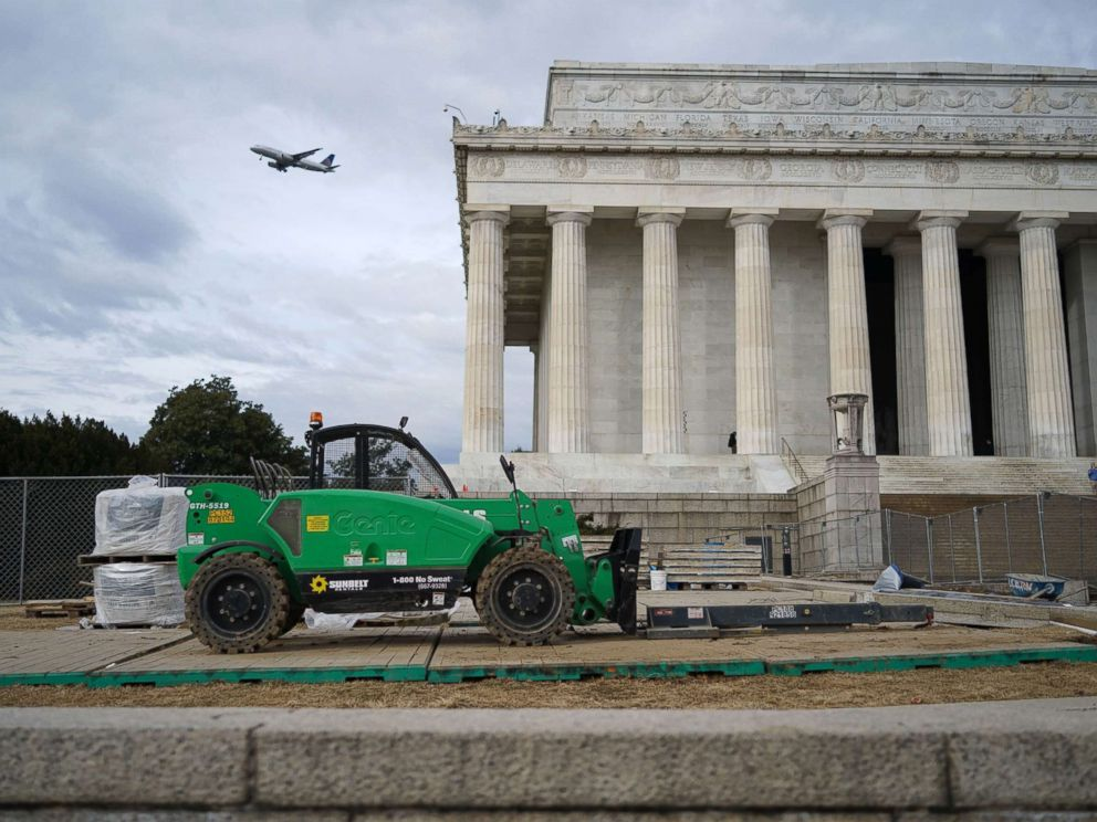 PHOTO: An idle forklift sits in front of the Lincoln Memorial during the government shutdown in Washington, D.C., Jan. 22, 2018.