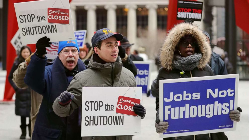 Shutdown expected to continue as federal workers' woes grow
