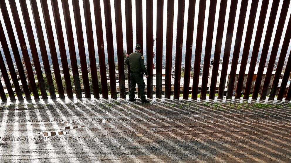 Migrant arrests surge at U.S.-Mexico border
