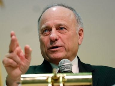 Man arrested for throwing water at Rep Steve King at restaurant Police