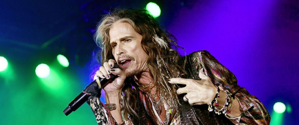 PHOTO: Steven Tyler performs onstage at Celebrity Fight Night XXIV, March 10, 2018 in Phoenix.