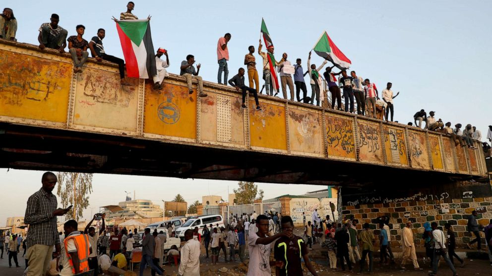 PHOTO: Sudanese demonstrators attend the ongoing protests demanding a civilian transition government in front of military headquarters, on the first day of holy month of Ramadan in Khartoum, Sudan, on May 06, 2019.