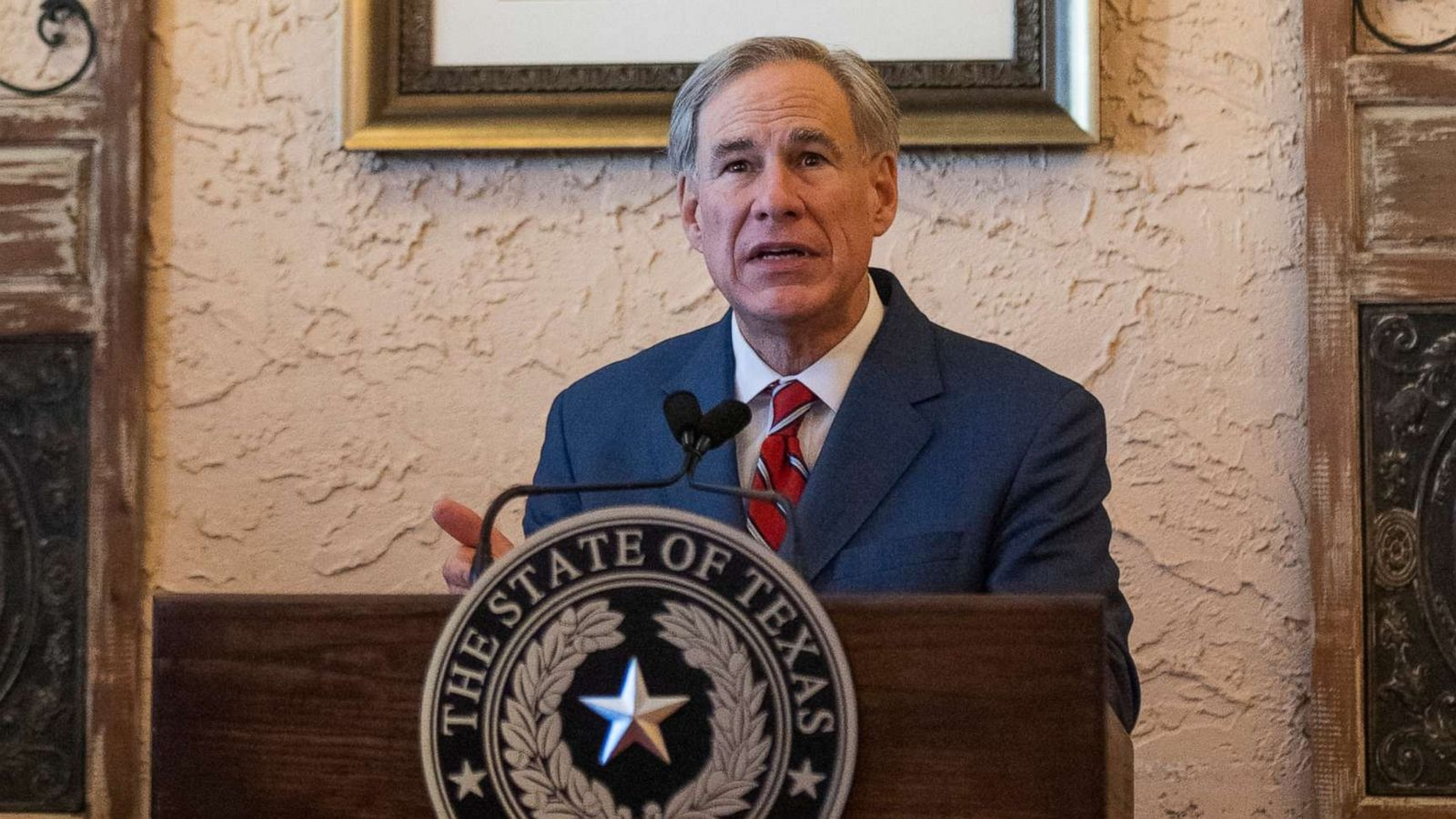 Battle emerges between Biden administration and Texas Gov. Greg Abbott over  migrant arrivals, COVID-19 testing - ABC News