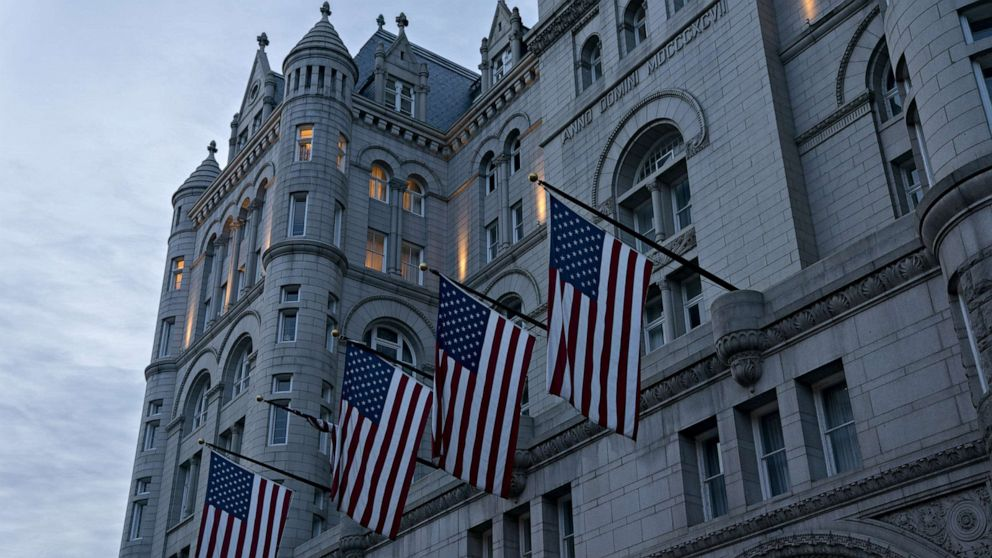Some guests, employees at Trump properties flout face-covering mandates thumbnail