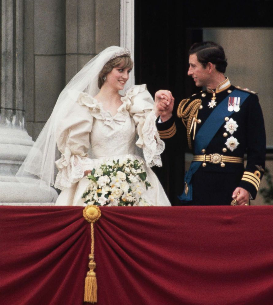 PHOTO: Prince Charles escorts Princess Diana to the balcony at Buckingham Palace just after their wedding.