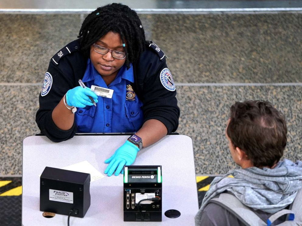 Government shutdown: TSA workers set to miss first paycheck