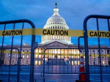 The latest on the government shutdown, from missing paychecks to unemployment claims