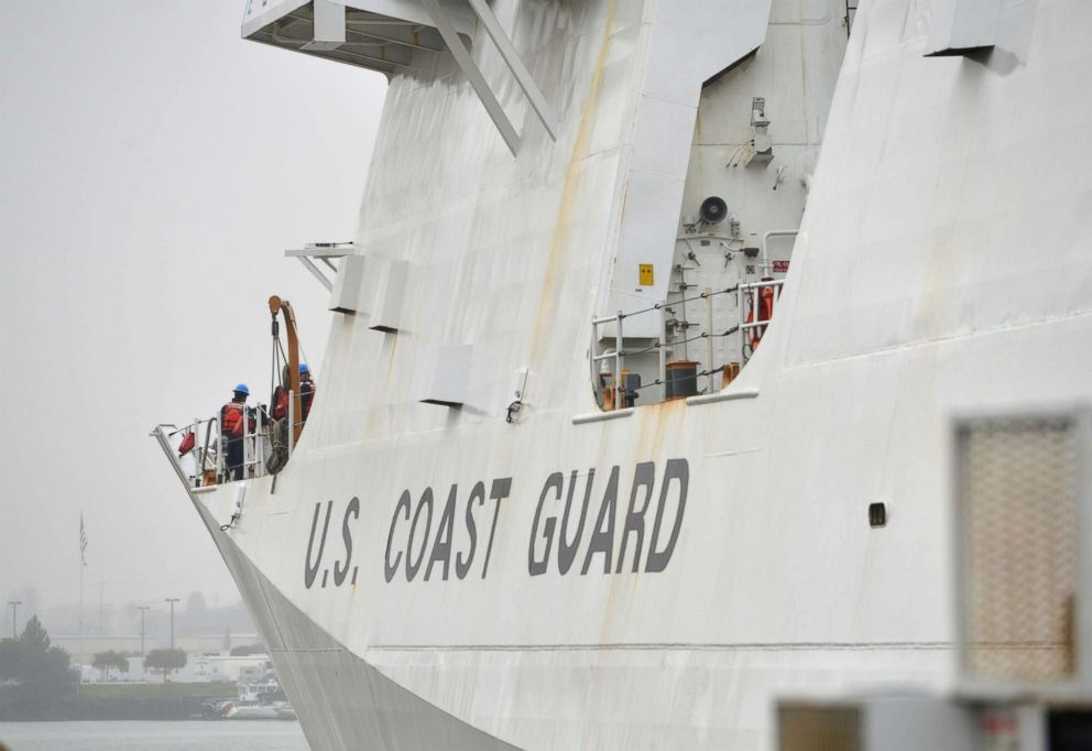 PHOTO: Coast Guard Cutter Munro navigates through the Oakland Estuary en route to the cutters homeport of Coast Guard Island in Alameda, Calif., Dec. 24, 2018.