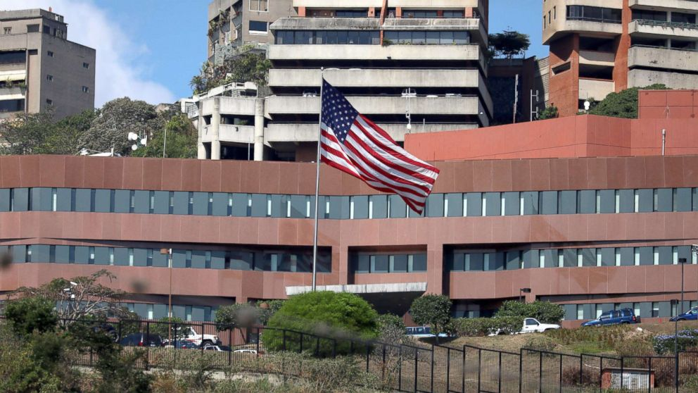 In reversal, US withdrawing all embassy personnel from Venezuela thumbnail