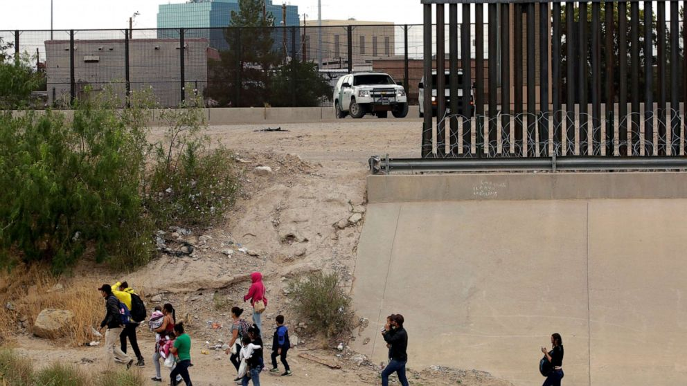 President Trump's asylum plan blocked by federal judge thumbnail