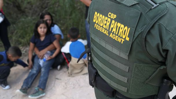 https://s.abcnews.com/images/Politics/us-mexico-border-family-gty-jc-180618_hpMain_16x9_608.jpg