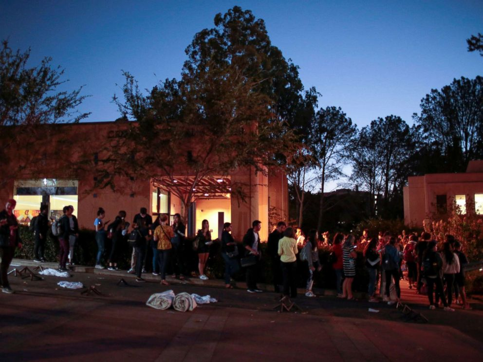 PHOTO: Voters wait to cast their midterm election ballots at the Cross Cultural Center in Irvine, Calif., Nov. 6, 2018.