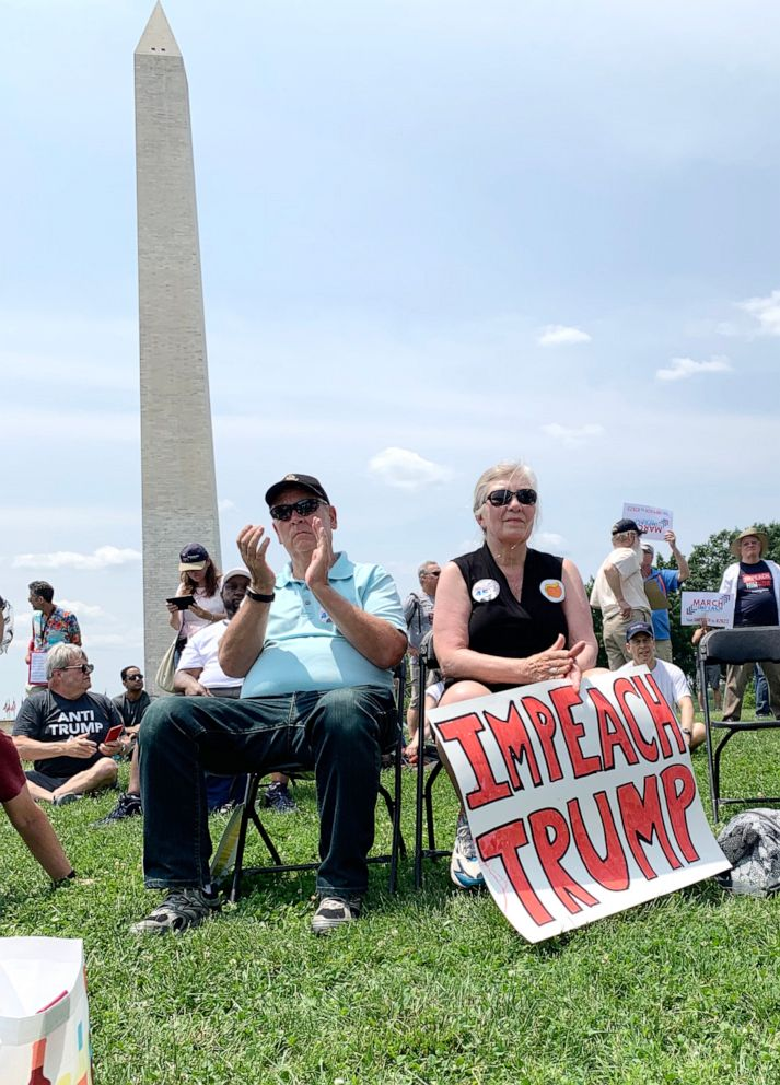 PHOTO: Demonstrators rally to pursued Congress to start the impeachment process.
