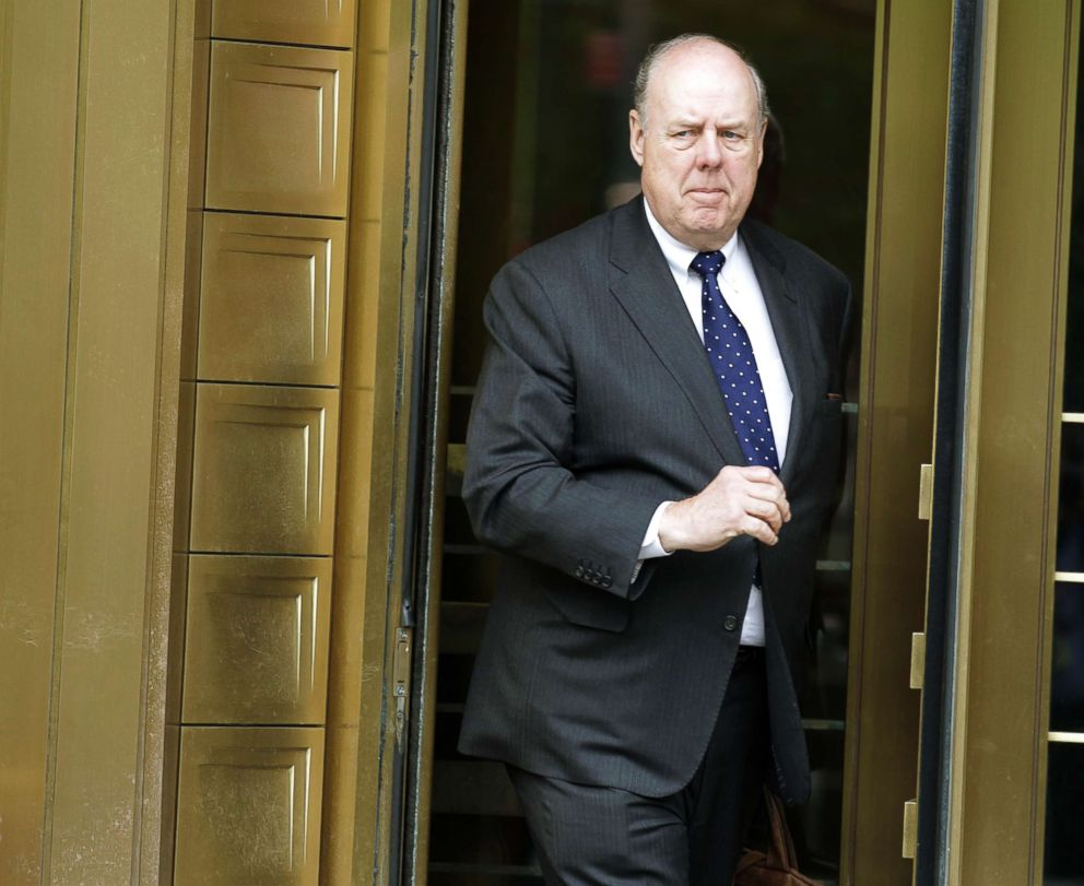 PHOTO: Lawyer John Dowd exits Manhattan Federal Court in New York, May 11, 2011.