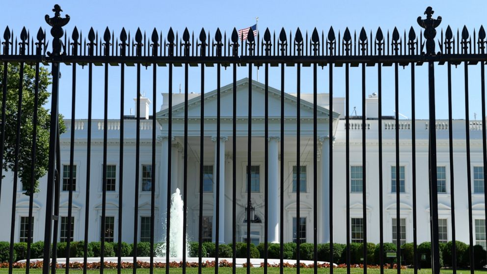 White House and Capitol placed on lockdown after plane violates restricted airspace thumbnail
