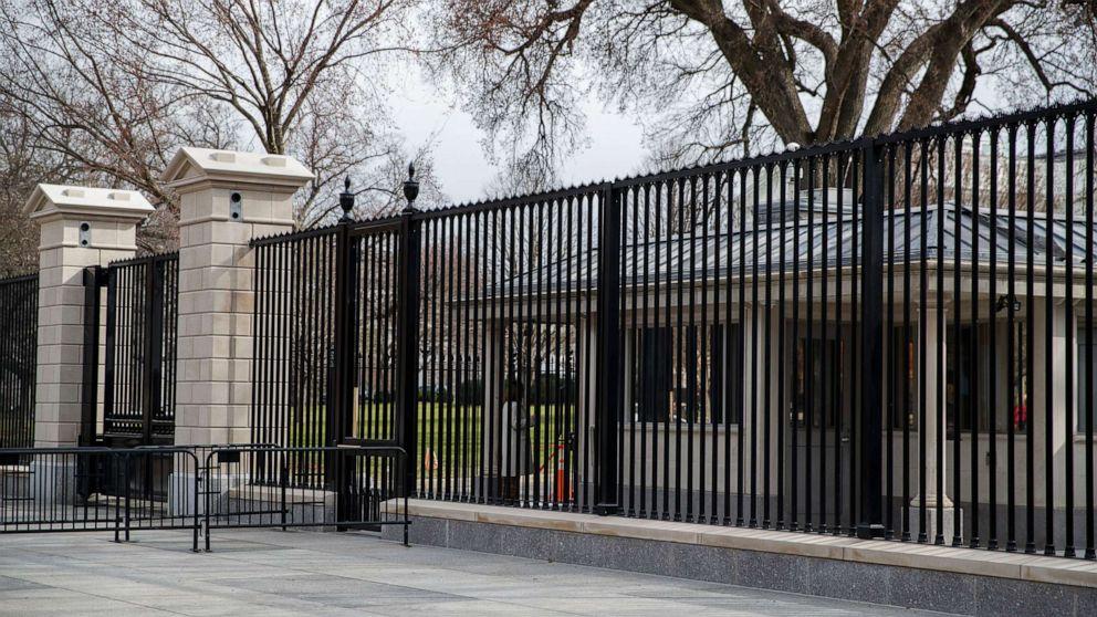 Weißen Haus zu Gast erlegt Beschränkungen inmitten des neuen coronavirus betrifft