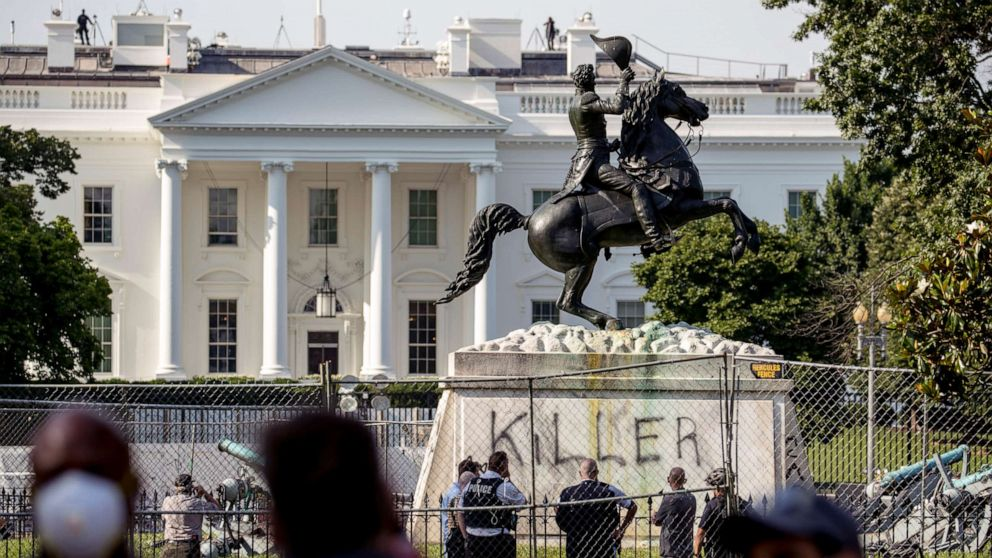 DHS launches speedy deployment groups to federal monuments over July 4th weekend thumbnail