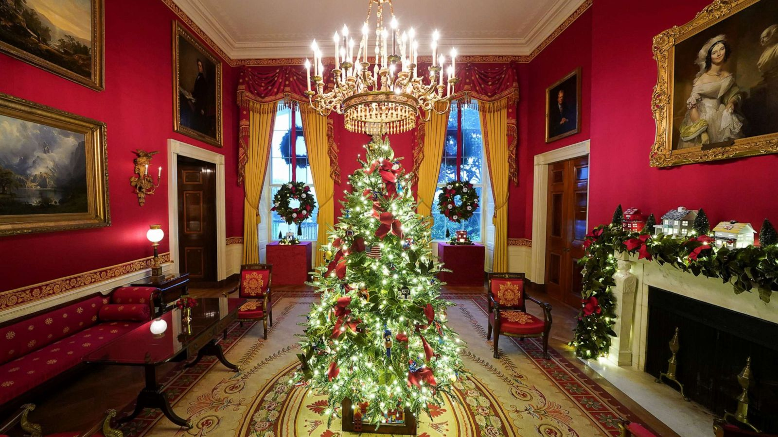 Photos White House 2020 Christmas Decorations Revealed Abc News