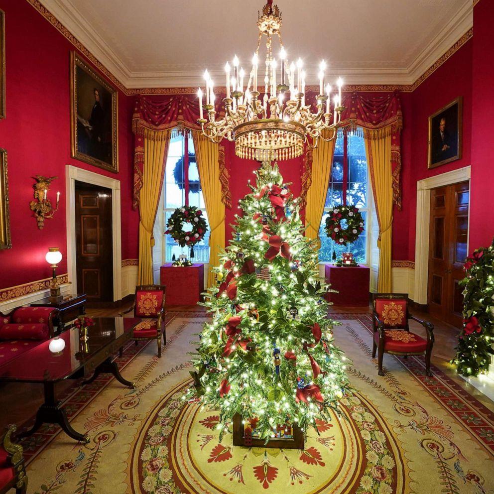 Whitehouse Christmas Trees 2021 Photos White House 2020 Christmas Decorations Revealed Abc News