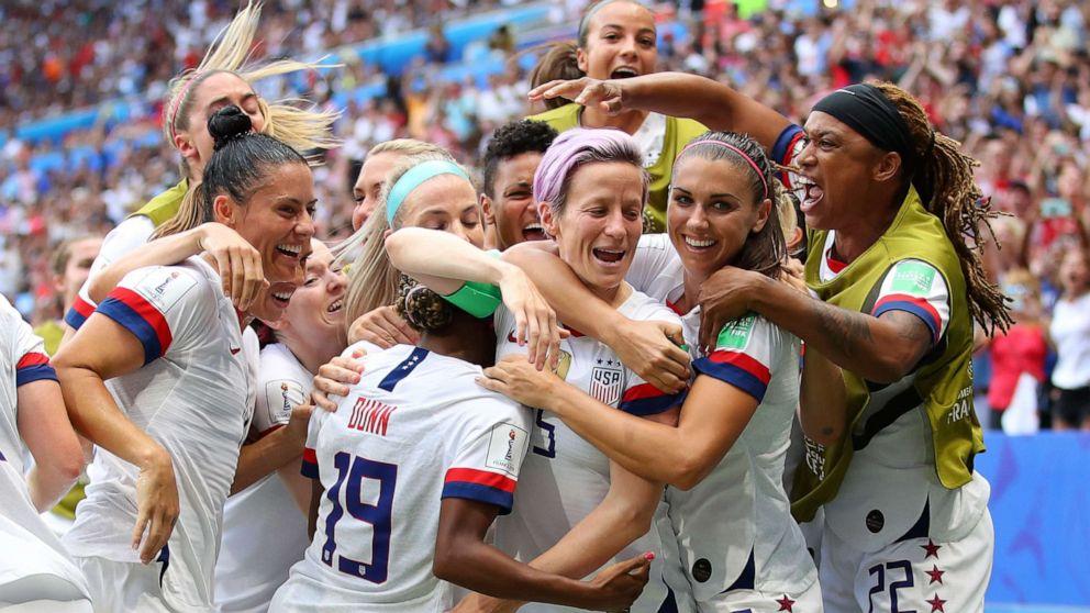 Pelosi invites US women's soccer team to Capitol amid uncertainty over Trump invite thumbnail