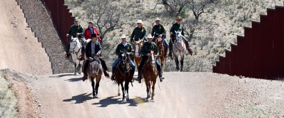 PHOTO: Interior Secretary Ryan Zinke during a visit to the U.S.-Mexico border on March 17, 2018.