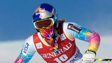 PHOTO: Lindsey Vonn of the United States skis during the 1st womens downhill training run at Lake Louise, Alberta, Canada, Dec. 4, 2013.