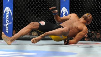 PHOTO: Anderson Silva screams after kicking Chris Weidman during the UFC 168 mixed martial arts middleweight championship bout, Dec. 28, 2013, in Las Vegas.