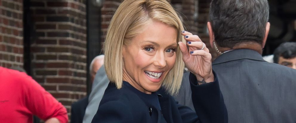 PHOTO: Kelly Ripa is seen leaving the Late Show With David Letterman taping at the Ed Sullivan Theater, Sept. 24, 2014, in New York.