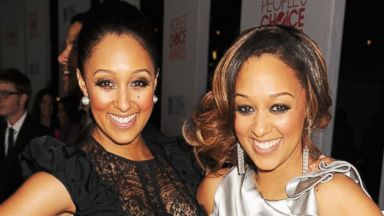 PHOTO: Actresses Tia Mowry and Tamera Mowry-Housley arrive at the 2012 Peoples Choice Awards at Nokia Theatre L.A. Live on Jan. 11, 2012, in Los Angeles.