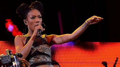 PHOTO: Brandy Performs In South Africa