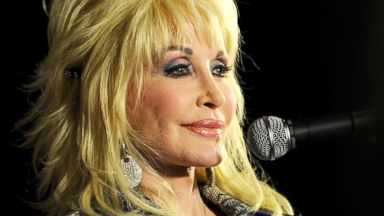 PHOTO: Dolly parton on Aug. 10, 2012 in Nashville.