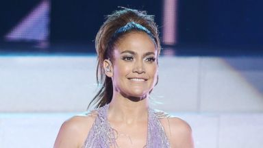 PHOTO: Jennifer Lopez performs onstage at the 2013 American Music Awards, Nov. 24, 2013 in Los Angeles, Calif.