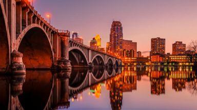 PHOTO: Minneapolis skyline