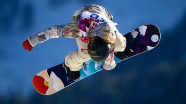 PHOTO: US Jamie Anderson competes in the Womens Snowboard Slopestyle qualification at the Rosa Khutor Extreme Park during the Sochi Winter Olympics, Feb. 6, 2014.
