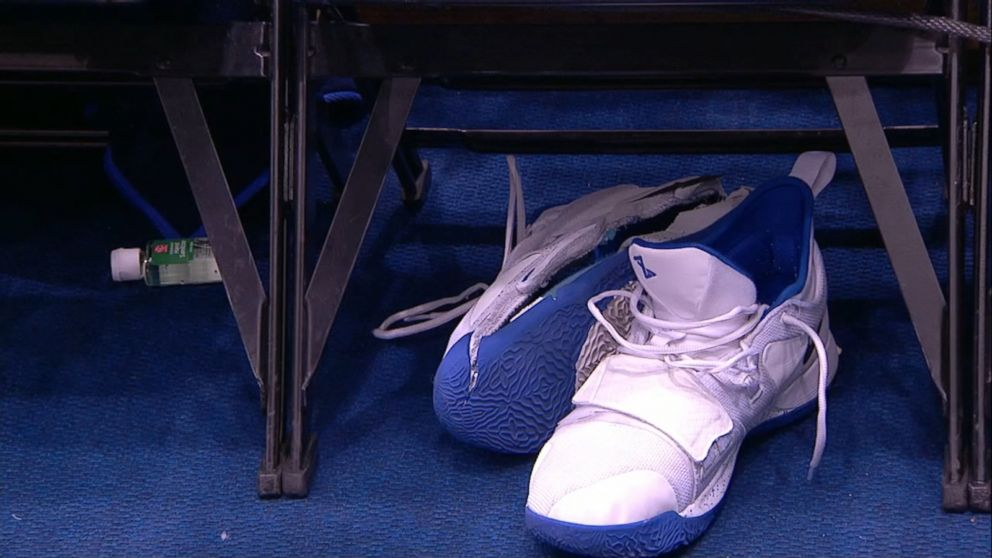 separation shoes 645ac 52619 Nike to investigate Duke star s torn shoe, injury